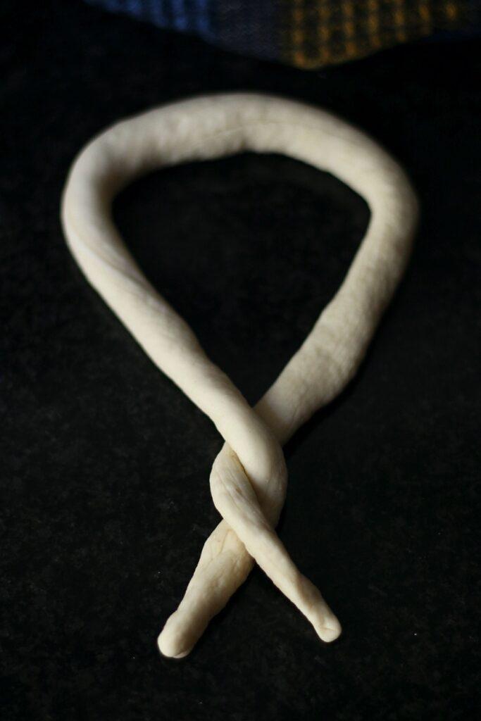 How to shape pretzels