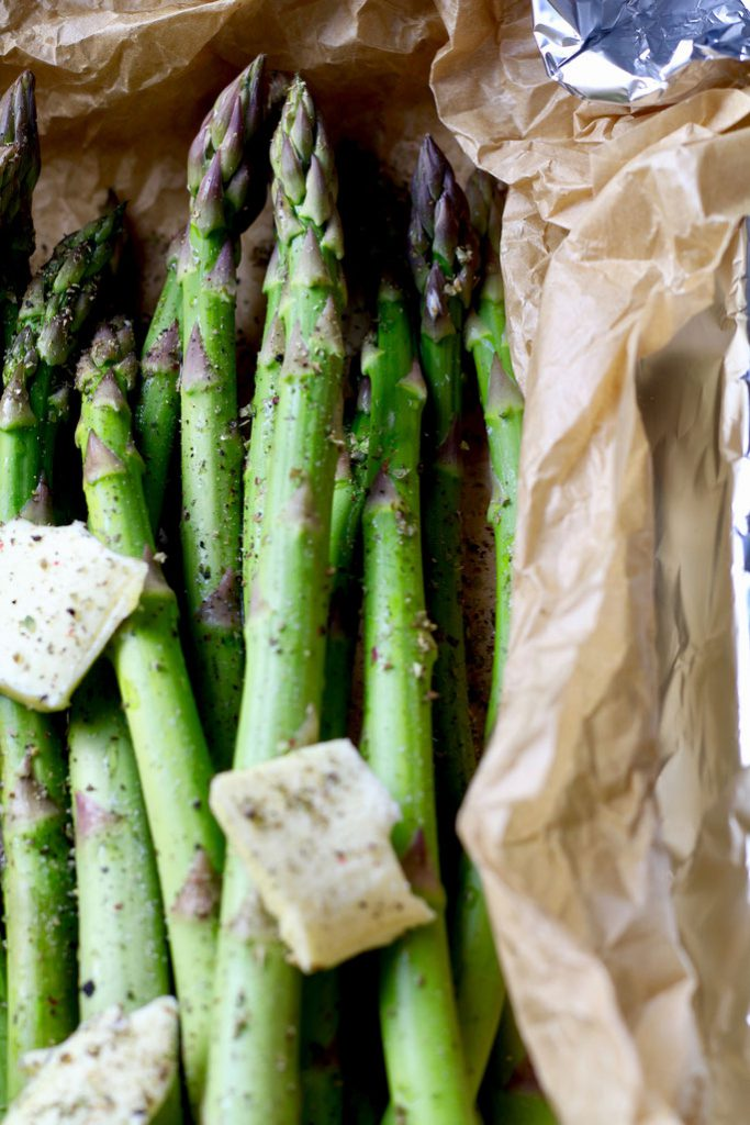 Roasted Asparagus for Garlic Herb Roast Pork